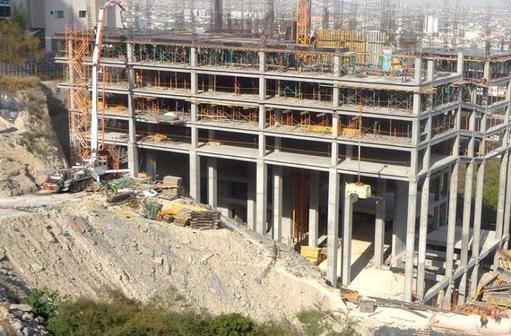 Alcanza nivel 6 (de 32) torre de 'depas' al poniente de MTY