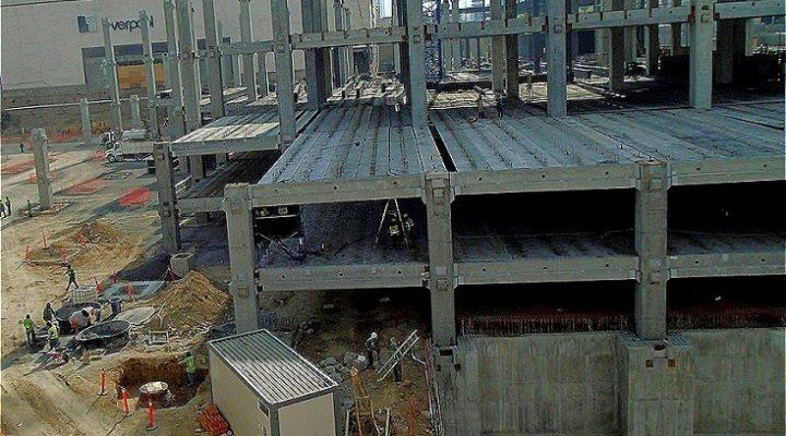 Levantan estructura de obra comercial de 40 mil m2 en MTY