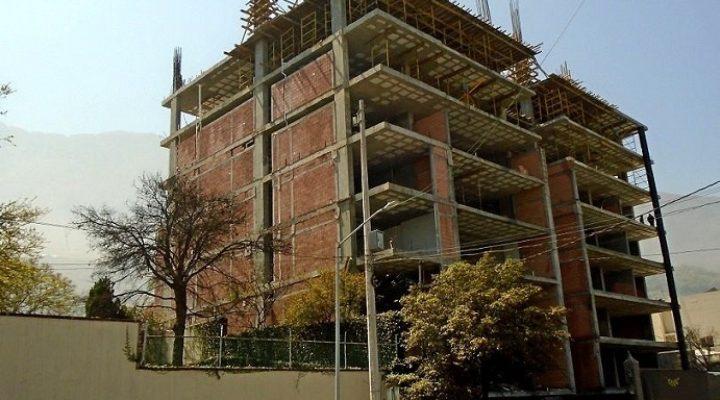 Edifican últimos niveles de torre 'premium' en San Pedro