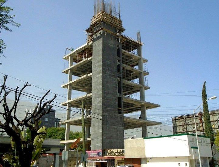 Edifican conjunto vertical multinivel en el Centrito