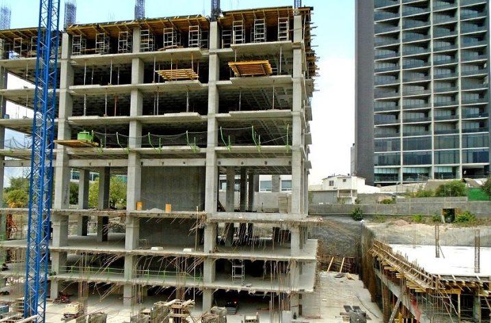 Emergen primeros 5 niveles (de 23) de torre habitacional en SC