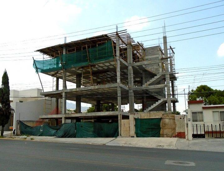 Avanza fase estructural de edificio de 'depas' en San Pedro