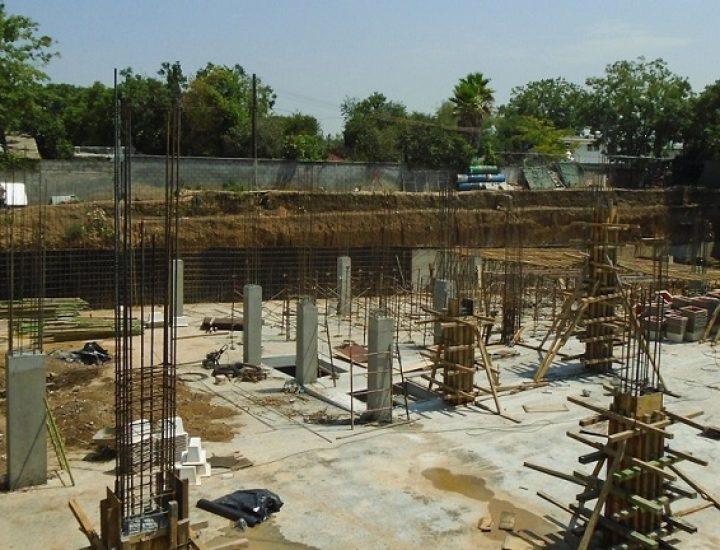 Arranca cimentación de plaza en Calzada del Valle