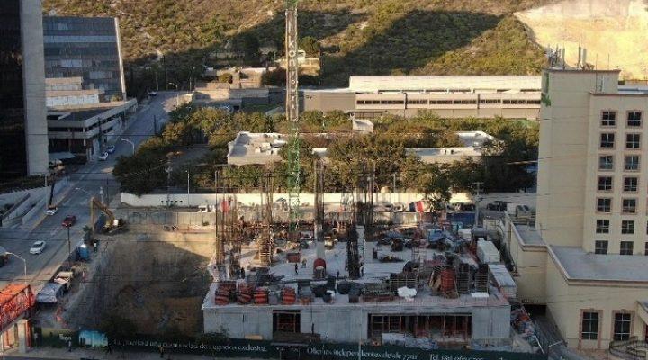 Emerge estructura de torre de uso mixto en Valle Oriente