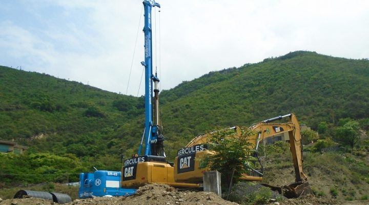 Arranca desmonte de terreno para levantar torre de 51 mil m2