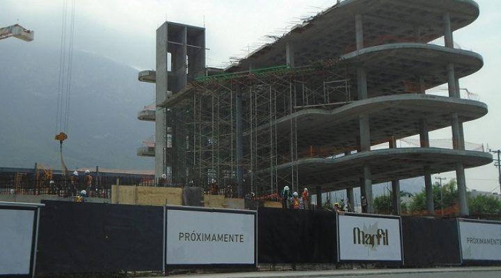 Avanza construcción de complejo comercial en San Pedro