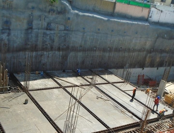 Inician niveles 'sub' de plaza con oficinas en San Jerónimo