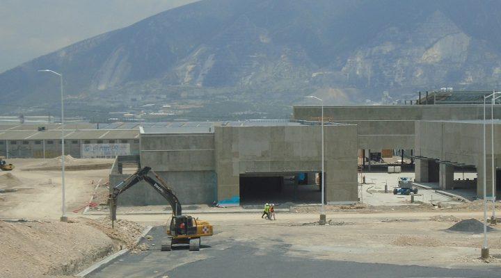 Reactivan construcción de Sendero Santa Catarina; concluiría obra en octubre
