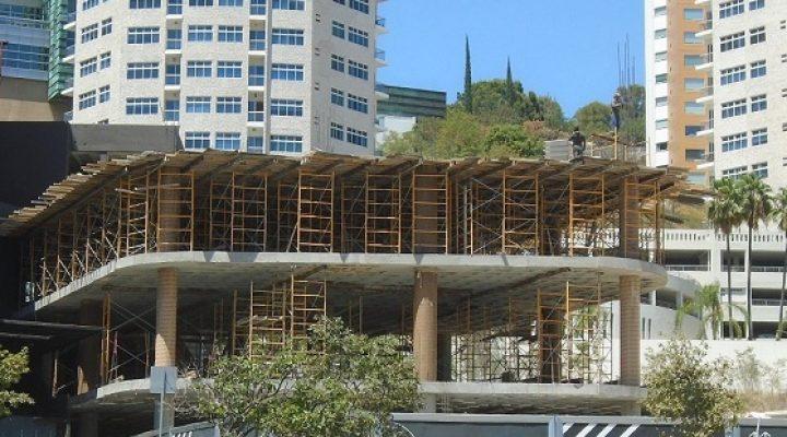 Levantan segundo nivel de torre de oficinas en Valle Oriente