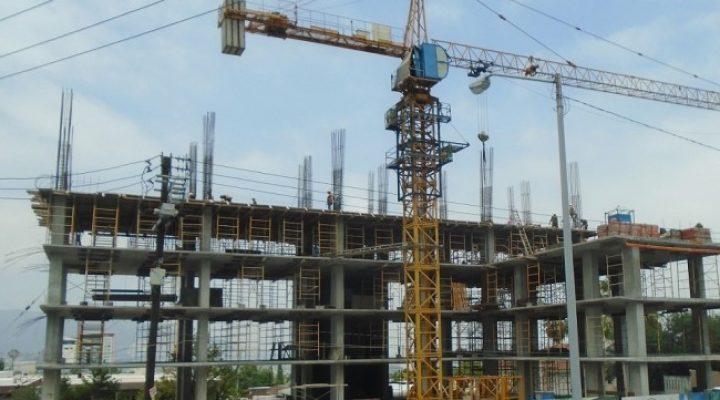 Avanza ejecución de edificio de uso múltiple en Cumbres