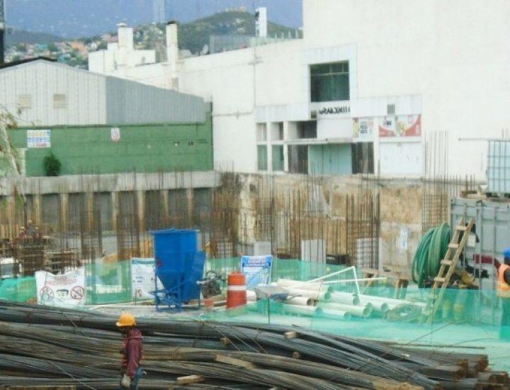 Construyen niveles bajo tierra de proyecto en Distrito Tec