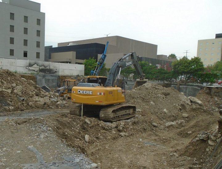 Preparan inicio de cimentación de torre corporativa en MTY