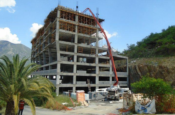 Ejecutan obra civil de torre de 'depas' en la zona Satélite, en MTY