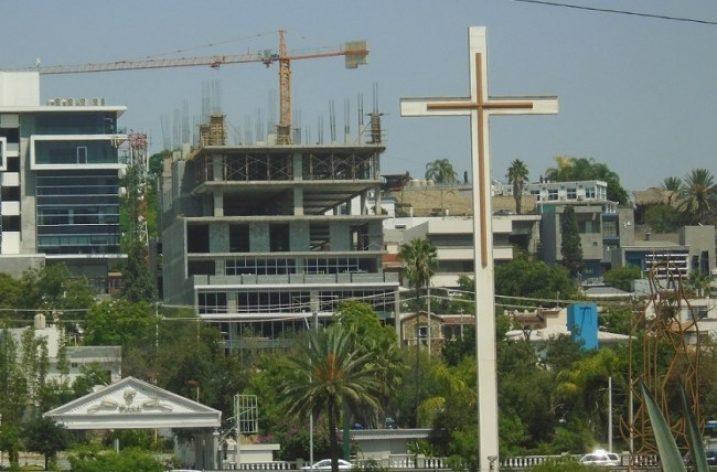Inician niveles de oficinas de torre de uso múltiple en el Obispado
