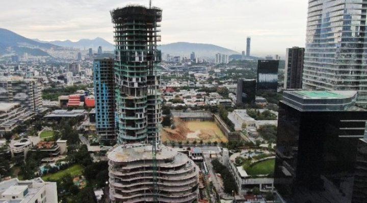 Alcanza nivel 35 torre diseñada por el estudio Pelli Clarke Pelli
