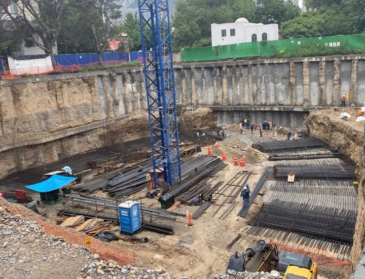 Arman losa de cimentación de torre vanguardista en MTY