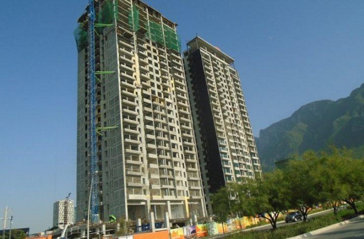 Concluye fase estructural de complejo en Valle Poniente