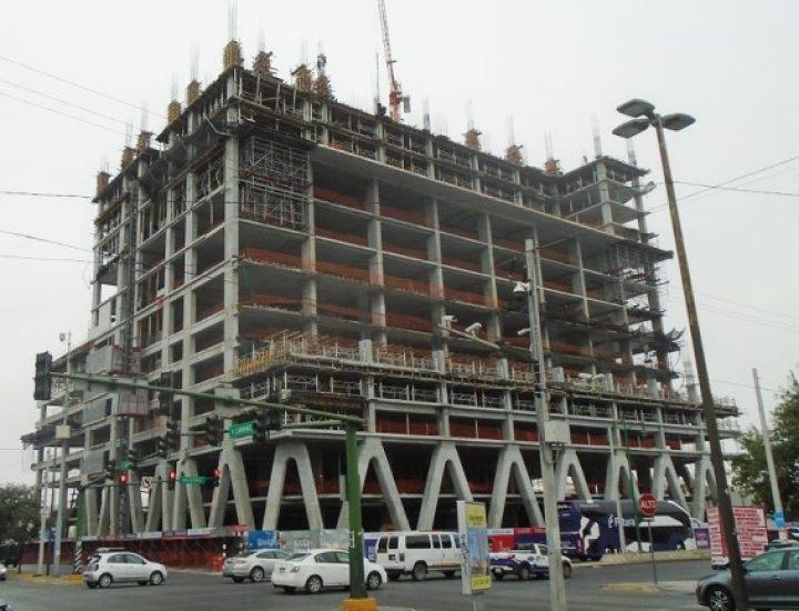 Inician niveles de oficinas de torre mixta en Av. Madero