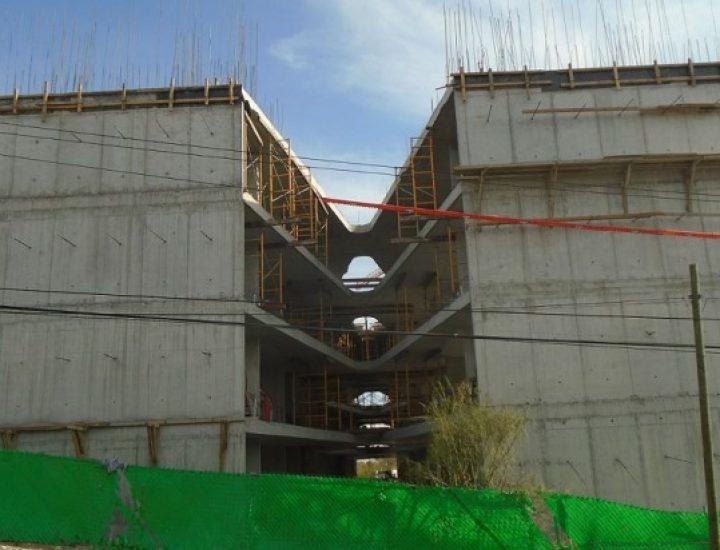 Despega estructura de conjunto vertical en zona Cumbres