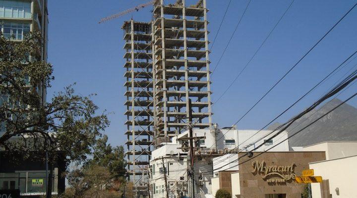 Alcanza torre de usos múltiples nivel 16 (de 18) en el Centrito