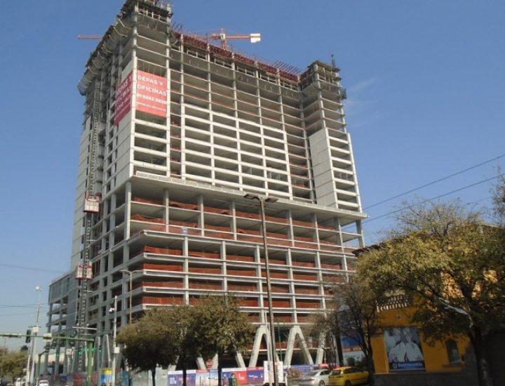Llega a recta final estructura de usos mixtos en Av. Madero