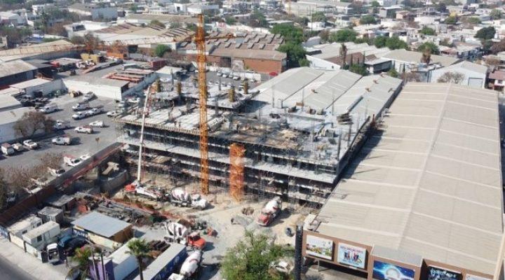 Comienza ascenso estructural de torre de uso mixto en MTY