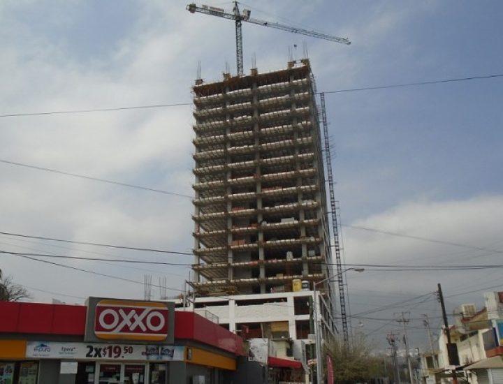 Alcanza nivel 19 (de 31) estructura de edificio de vivienda en MTY