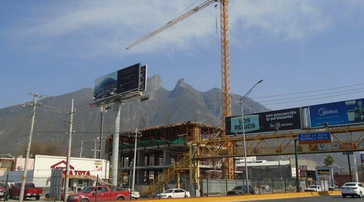 'Asoman' primeros niveles de usos mixtos en Av. Garza Sada