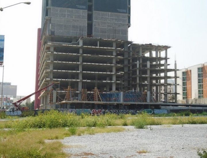 Activan última fase constructiva de torre en el Par Vial
