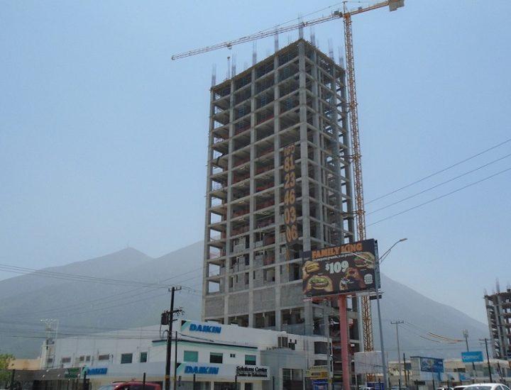 Alcanza nivel 19 torre habitacional en MTY