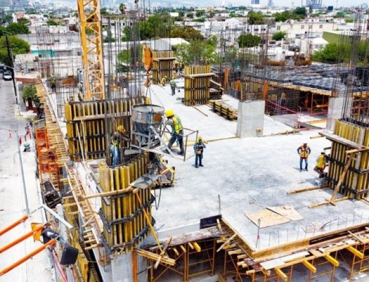 Emerge fase estructural de nueva torre multiusos en MTY