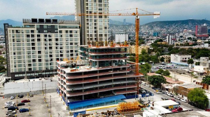 Llega a nivel 10 (de 27) edificio de uso mixto en MTY