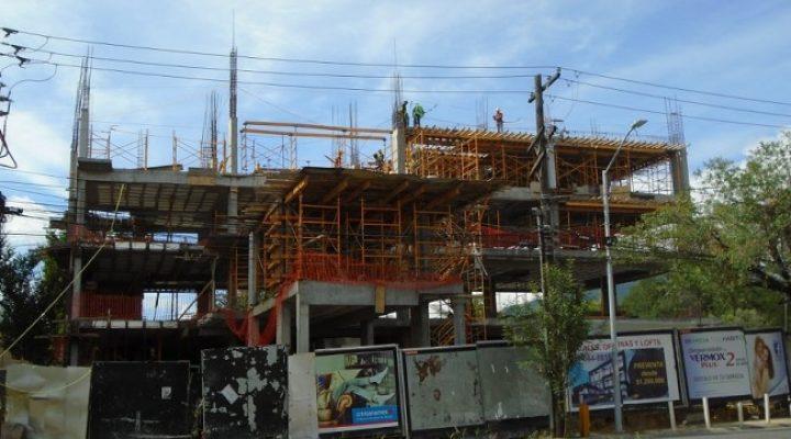 Avanza ejecución de proyecto multiusos en Av. Alfonso Reyes