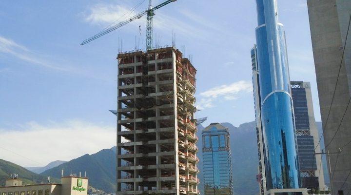 Supera el 50 por ciento estructura de torre  'premium' en VO