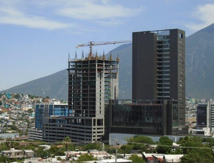 Avanzan obras de complejo de dos torres en Valle Oriente