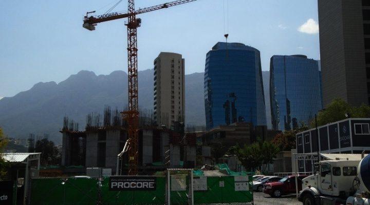Despunta estructura de torre residencial de lujo en San Pedro